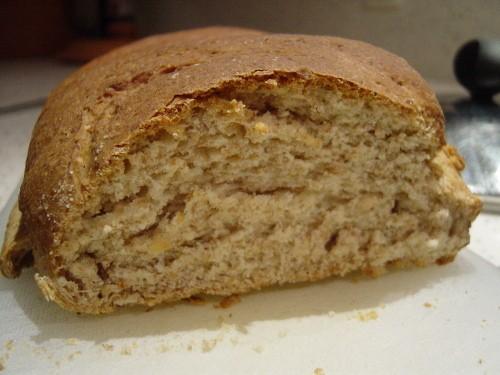 Chleb pszenno-żytni na miodzie, albo o początkującym piekarzu