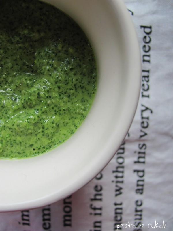 Znów zielono: pesto z rukoli