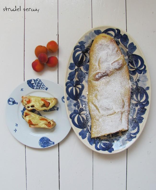 Strudel serowy (Topfenstrudel) z morelami