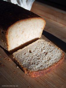 Na zakwasie: chleb na owsiance oraz płaskurka z samopszą