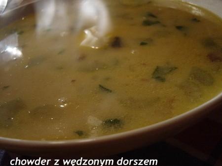 Chowder z wędzonym dorszem