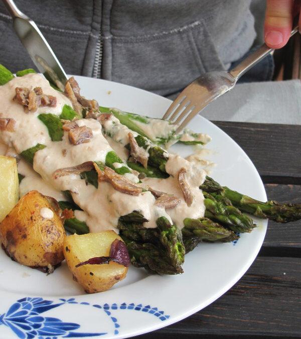 Szparagi 2015: z sosem z tuńczyka oraz lasagne