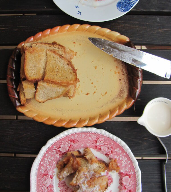 Pudding chlebowy z jabłkami (Apple charlotte)