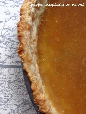 Tarta: migdały, miód i cytryna