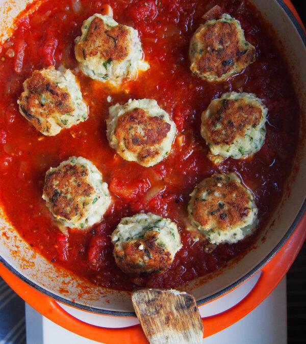Klopsy rybne w pomidorach