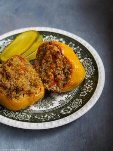 Papryka faszerowana bulgurem i serem